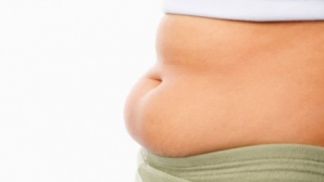 Iată de la ce creşte burta! Cele mai periculoase alimente pentru abdomen