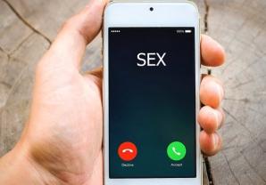 Selfie sexting