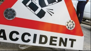 Accident groaznic pe E85. Maşină facută praf sub un TIR. Şoferul a murit pe loc
