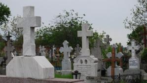 Ritual sinistru: Ţăranii din Gorj dezgroapă morţii şi le ard inimile. Motivul este incredibil