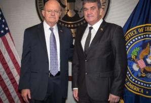 Gabriel Oprea, întrevedere cu James R. Clapper,director al Comunităţii Naţionale de Informaţii a SUA