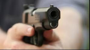 Tragedie în SUA. Un copil de 3 ani şi-a împușcat în cap sora mai mare