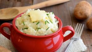 Opt paşi simpli pentru un piure de cartofi perfect. Ingredientul secret
