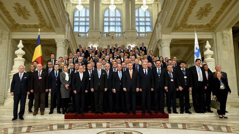 Oficial rus interzis de UE, prezent în Parlamentul României. Se cere demisia lui Tăriceanu
