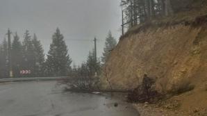 Furtună violentă pe Transrarău. Cea mai frumoasă şosea din Moldova, distrusă / Foto: adevarul.ro