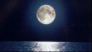 De ce nu dormim bine când e lună plină. Explicaţia ştiinţifică