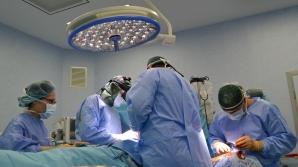 Inundaţii în timpul unei operaţii. O ţeavă s-a spart deasupra unei paciente aflate pe masă
