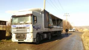 Un TIR încărcat cu azotat de amoniu s-a răsturnat în judeţul Buzău / Foto: adevarul.ro