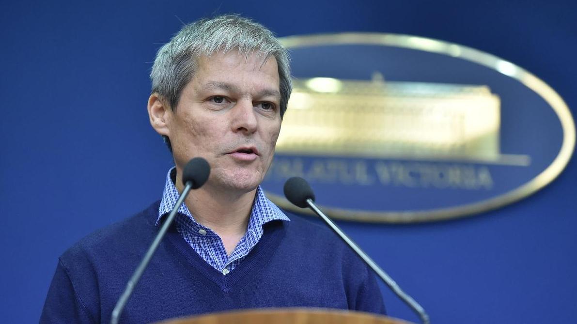 Dacian Cioloş participă la dezbaterea privind legea electorală