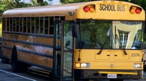 Accident grav cu un autocar de şcoală: 19 elevi se aflau în autobuz