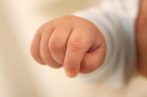 Sursa infestării bebelușilor din Argeș, necunoscută! Cum își pasează responsabilitatea autoritățile