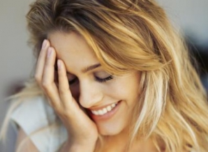 5 lucruri pe care să NU le faci niciodată pentru a atrage atenţia unui bărbat