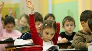 Copil cu dizabilităţi, discriminat la şcoală. O învăţătoare este acuzată că a jignit o fată de 8 ani