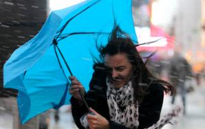 Informare meteo: Ploi abundente și intensificări ale vântului, de joi