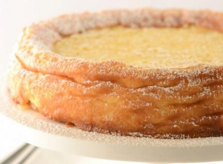 Pasca se face în Joia Mare. Este pâinea cea mai aleasă a anului. Pe vremuri, în bucătăriile sărmanilor, unde nu era brânză, se folosea o mână de mălai mărunţel, fiert în lapte dulce. Citește mai departe...