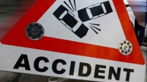 Trei răniţi şi patru maşini avariate într-un accident pe drumul dintre Piteşti şi Braşov