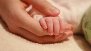 Veste bună pentru părinţi. Vor primi indemnizaţia pentru copil şi dacă se întorc la muncă