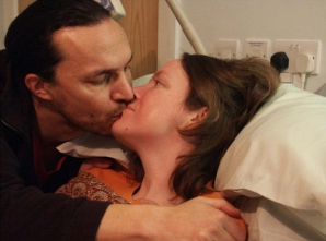 """Pe patul de moarte, i-a spus soţului ultima sa dorinţă. El a început să plângă: """"Nu pot face asta"""""""