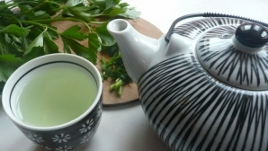 Ceaiul care ne curăţă rinichii. Toată lumea ar trebuie să îl încerce. Efectele se simt imediat