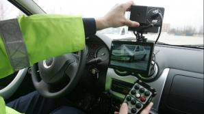 Şofer prins de poliţişti în timp ce circula cu 213 km/h pe A1