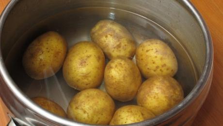 nu-mai-arunca-apa-dupa-ce-ai-fiert-cartofii-vei-ram