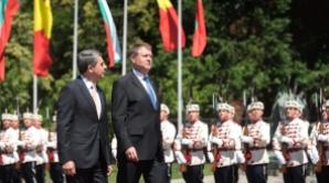 Bulgaria face de râs România: Atac fără precedent la adresa lui Klaus Iohannis și Dacian Cioloș