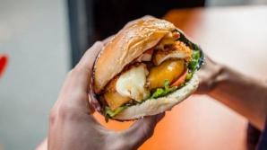 Restaurantul în care poţi mânca burgeri gratuit, pe viaţă. Trebuie să faci un singur lucru!