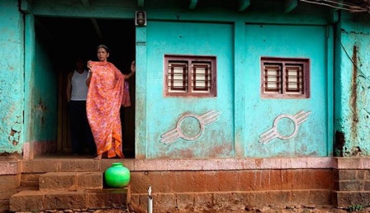 Cum arată satul unde casele NU au uşă la intrare