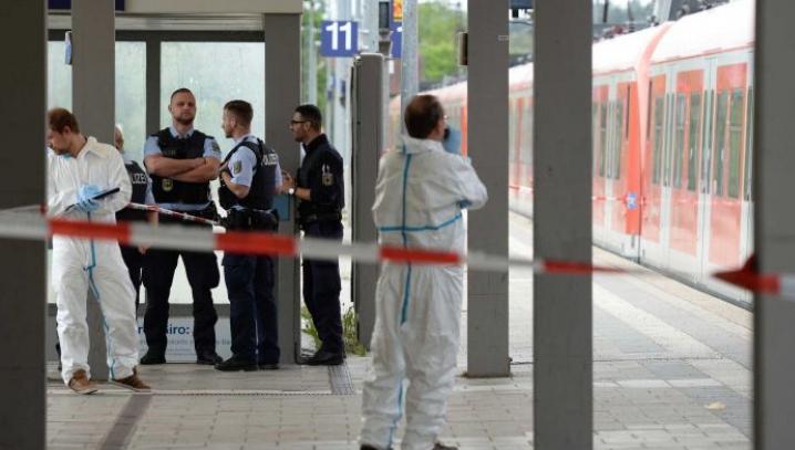 Atac Munchen. Poliţie: Nu există legătură între atacator și ISIS sau refugiați. Prima ipoteză
