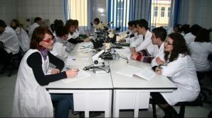 Admitere Medicină 2016. Concurenţă mare la UMF Carol Davila. Câţi elevi s-au înscris la admitere