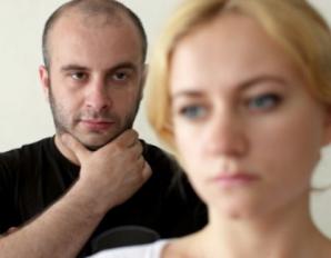 O pană de curent l-a ajutat să afle secretul murdar al soţiei. ''Nici nu mă mai pot uita la ea!''