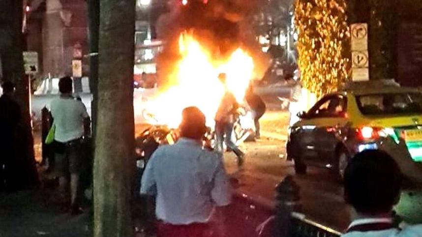 Atac cu maşină-capcană în Thailada: Un mort şi peste 30 de răniţi