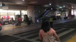 Alertă de securitate pe Aeroportul Internaţional din Los Angeles. Pasagerii unui avion, evacuaţi