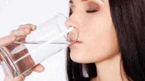 Cum ne otrăvim apa pe care o bem zilnic. Nu mai face această mare greşeală!