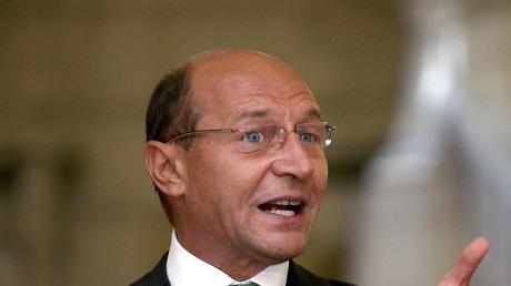 Basescu, despre Justitie: A inceput sa plateasca spactacolele facute de DNA, din 2015
