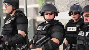 ATAC cu armă albă într-un centru comercial din SUA: 8 victime