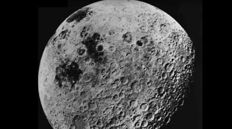 Detaliul bizar dintr-o imagine NASA. Ce se vede pe Luna