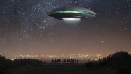 """Întâlnire-șoc cu un OZN în România. """"Echipajul extratereștrilor era interesat de aparatul nostru"""""""