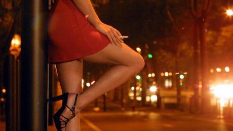 Un sucevean a vrut să facă amor în trei. A invitat două femei la un hotel. Ce a urmat, Halucinant!