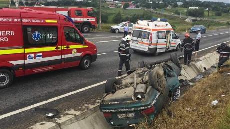 Accident cumplit cu 3 mașini implicate. Sunt 5 victime
