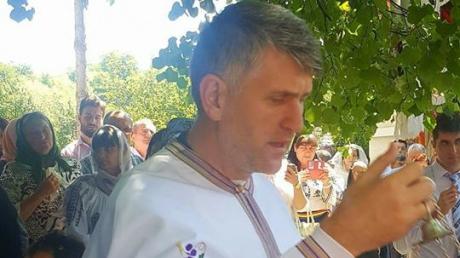 Preotul Pomohaci a avut parte de o primire surprinzătoare la concertul din weekend