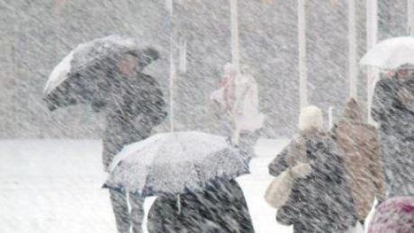 Iarna și-a intrat în drepturi. Se circulă cu dificultate în mai multe județe din țară