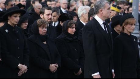 detaliul-observat-de-un-psiholog-la-funeraliile-regelui-mihai-despre-comportamentul-principeselor