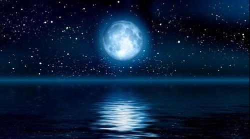 (w500) Luna Albas