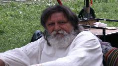 Preotul a facut un gest socant in timpul inmormantarii lui Papaiani: Sa-i...