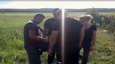 O echipa de reporteri, obligata sa stearga o filmare de la inmormantarea Denisei!