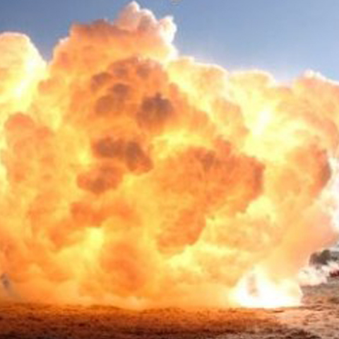 Foto: http://www.ziare.com/_files/Image/news/242/tb_240_241243_0802_explozie.jpg