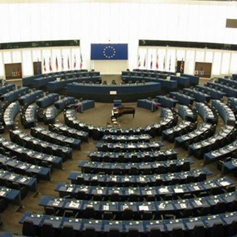 Foto: http://arhiva.voceabasarabiei.net/Poze/Parlamentul_European.jpg