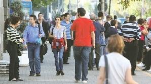 Jumătate dintre români nu reuşesc să economisească niciodată