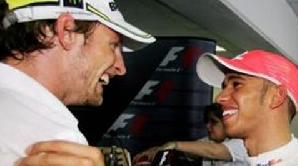 Jenson Button şi Lewis Hamilton